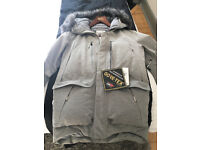 Genuine (from the USA) Brand New North Face Cyros GTX Expedition Parka