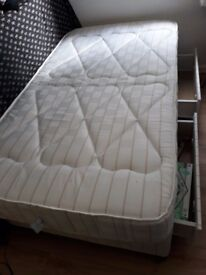 Divan bed large single (w107cmxL192cm) with wheels, 2 drawers and mattress