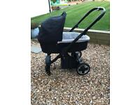 Babystyle oyster stroller and carrycot
