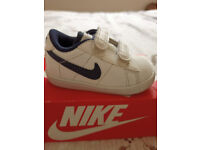 nike tennis trainer infant size c3