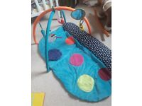 Mama's and papa's baby play mat activity centre