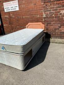 Single sliding storage bed