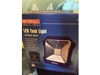 240v LED light