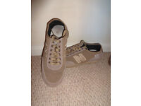 women'shoes trainers boots