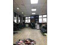 Rent a chair in an exclusive salon equipped with the best equipment and exceptional facilities.