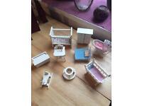Various dolls house furniture