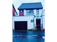 3 bedrooms in Maine Road, Manchester, M14