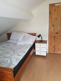 Double furnished rooms to rent in a shared house 2 miles from Liverpool. Available
