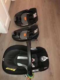Cybex baby car seat and 2 bases Aton Q