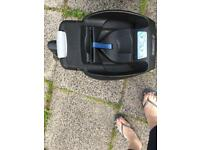 Maxi Cosi baby car seat with base