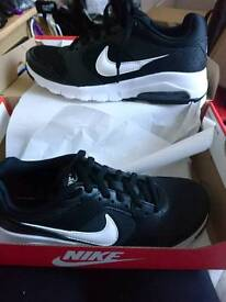 New Nike Air trainers - size 4.5 UK
