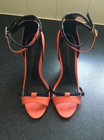 Gorgeous Double buckle contrast heels -coral/black