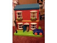 Happyland Town House with Car and Figures-ELC