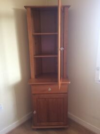 Corner display unit in excellent condition dark pine