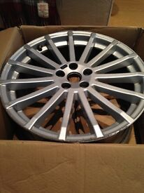 """Ford Focus RS MK 2 19"""" Alloy Small Crack in Rim"""