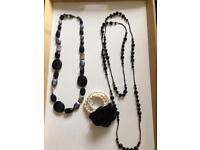 Set of 2 necklaces & beaded bracelet