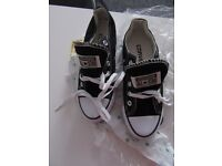 *NEW* with tags, Converse All Star 3.5