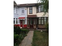 3 Bedroom House to let in Rainham RM13 9UB ===Rent £1550 PCM===