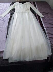 Ladies White Dress - Brand New (Size S/M)