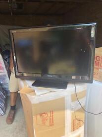 Toshiba 32AV55D 32 inch tv with remote