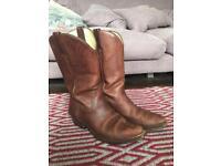 R Soles Cowboy Boots 42