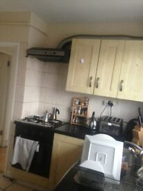 Double room £550 (bills inc.) only 3 persons living in.