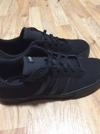 Mens Adidas Daily Team Trainers size 9
