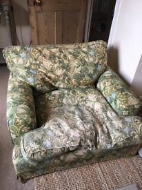 William Morris pattern sofa and 2 armchairs