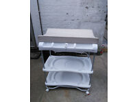 Bruin Baby bath and changing table combo