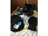 Maxi Cosi Cabriofix baby car seat with Easyfix base.