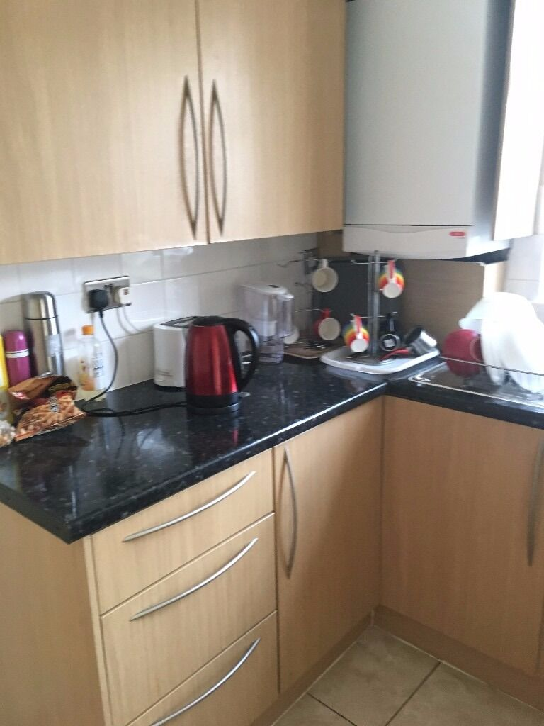 ^^^ SPACIOUS DOUBLE ROOM LOCATED NEXT TO PICCADILLY LINE MUST SEE JUST £130PM ALL BILLS INC^^^