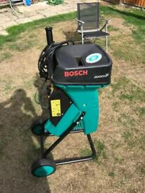 Bosch 2000 AXT HP shredding garden waste