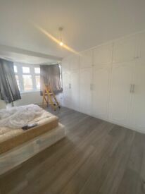 Spacious 4 bed house in Redbrige part dss welcome