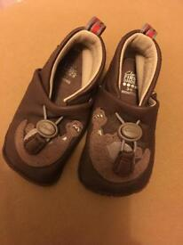 Real leather baby shoes from Clark's size 3-6 month