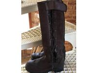 Ariat riding/yard boots. Size 6.5 (advertising elsewhere)