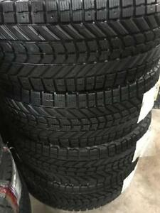4 pneus dhiver 265/70/17 firestone winterforce comme neuf 12/32
