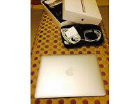 Good As New MacBook Pro 13'' (2015) with Bag & Adapter pouch!