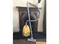 Argos Compact Bagged 1400w Cylinder Vacuum Cleaner