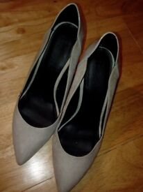 Grey heel shoes for wedding, parties or smart casual wear Size 39/6