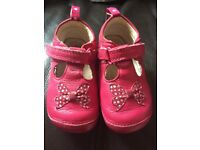 Girls Clarks shoes size4,5 both£5