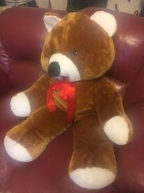 Giant Teddy Bear £3 Pontardawe Swansea