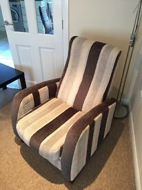 Modern reclining arm chair