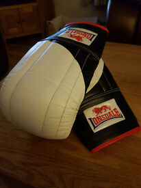 Lonsdale Training Mitts