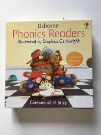 Boxed set of 12 Usborne Phonics Books