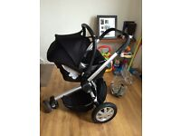 Maxi cosi car chair & quinny buzz frame and accessories