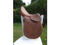"""English Leather Spring Tree Saddle 15 1/2"""""""