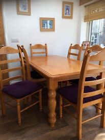 6 seater solid pine Dinning table