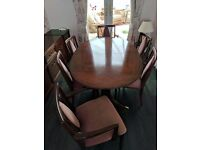 **REDUCED** Excellent condition G-PLAN 6 seater dinning table and sideboard - In Mahogany