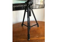 Vertex VT-563 Tripod - Sturdy and Lightweight