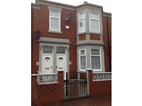 Large 2/3 bedroom fully furnished upper tyneside flat to rent NO DSS, CHILDREN OR PETS